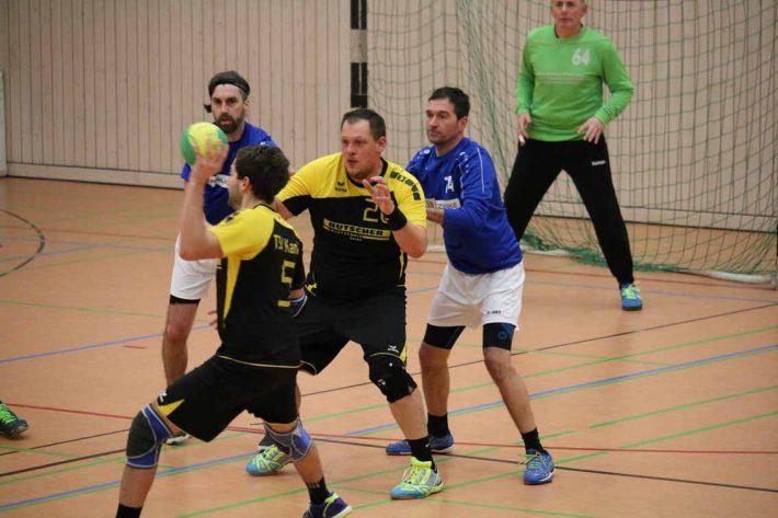 Herren2: TSV Kandel2 – TuS2  26:12 (13:7)